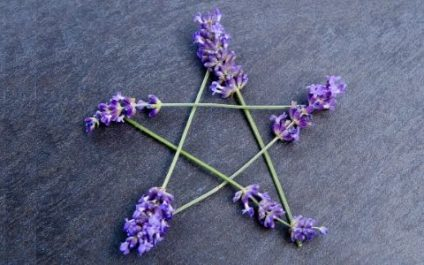 Contemporary Wicca: Ancestral Wisdom for Modern Times