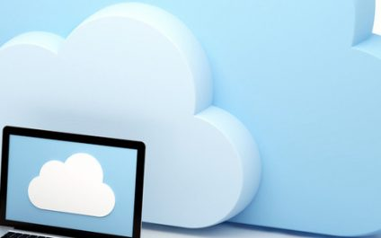 How do hybrid clouds make SMBs more flexible?