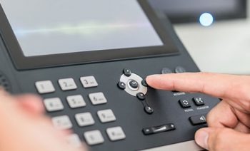 VoIP for SMBs: Hardphones or softphones?