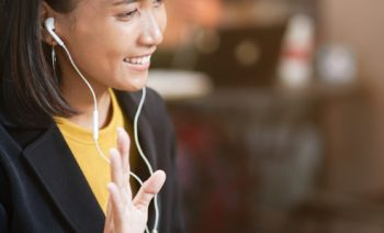 Why you should consider softphones over desk phones