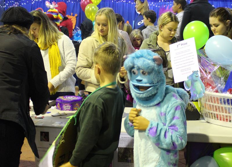 monster-book-fair-family-fun_0745