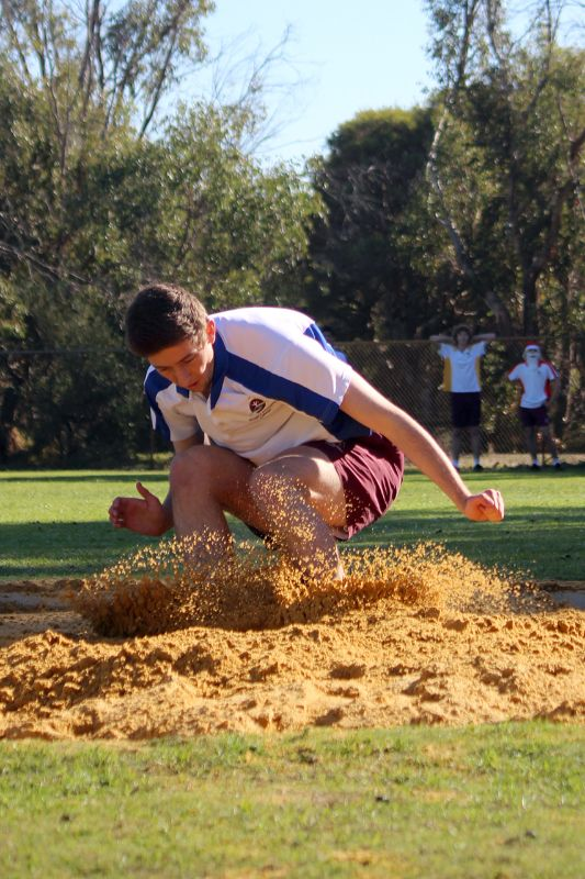 Year 9-12 Athletics Carnival (2)