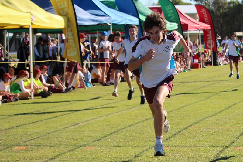 Year 9-12 Athletics Carnival (25)