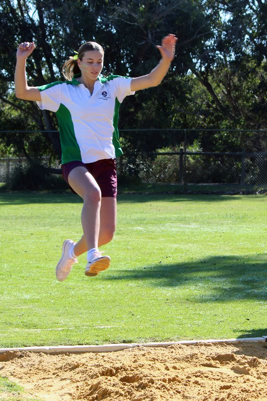 Year 9-12 Athletics Carnival (35)