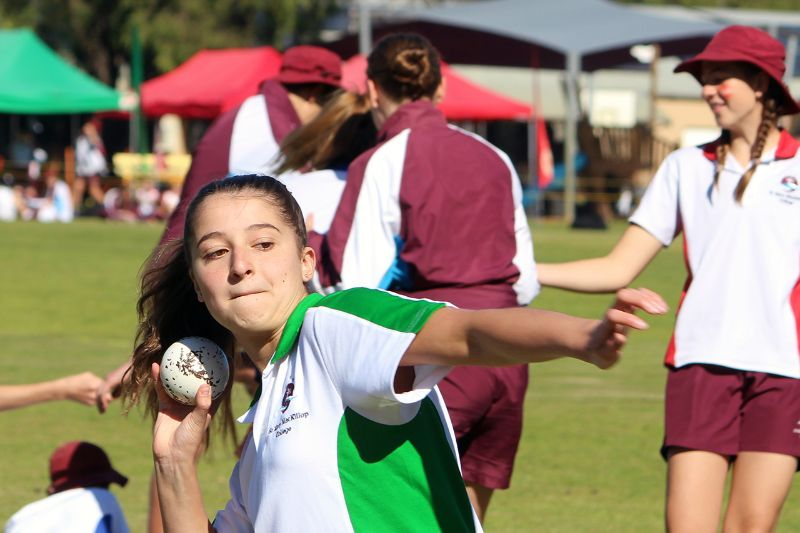 Year 9-12 Athletics Carnival (46)