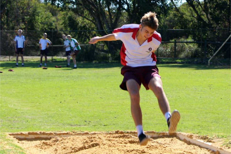 Year 9-12 Athletics Carnival (60)