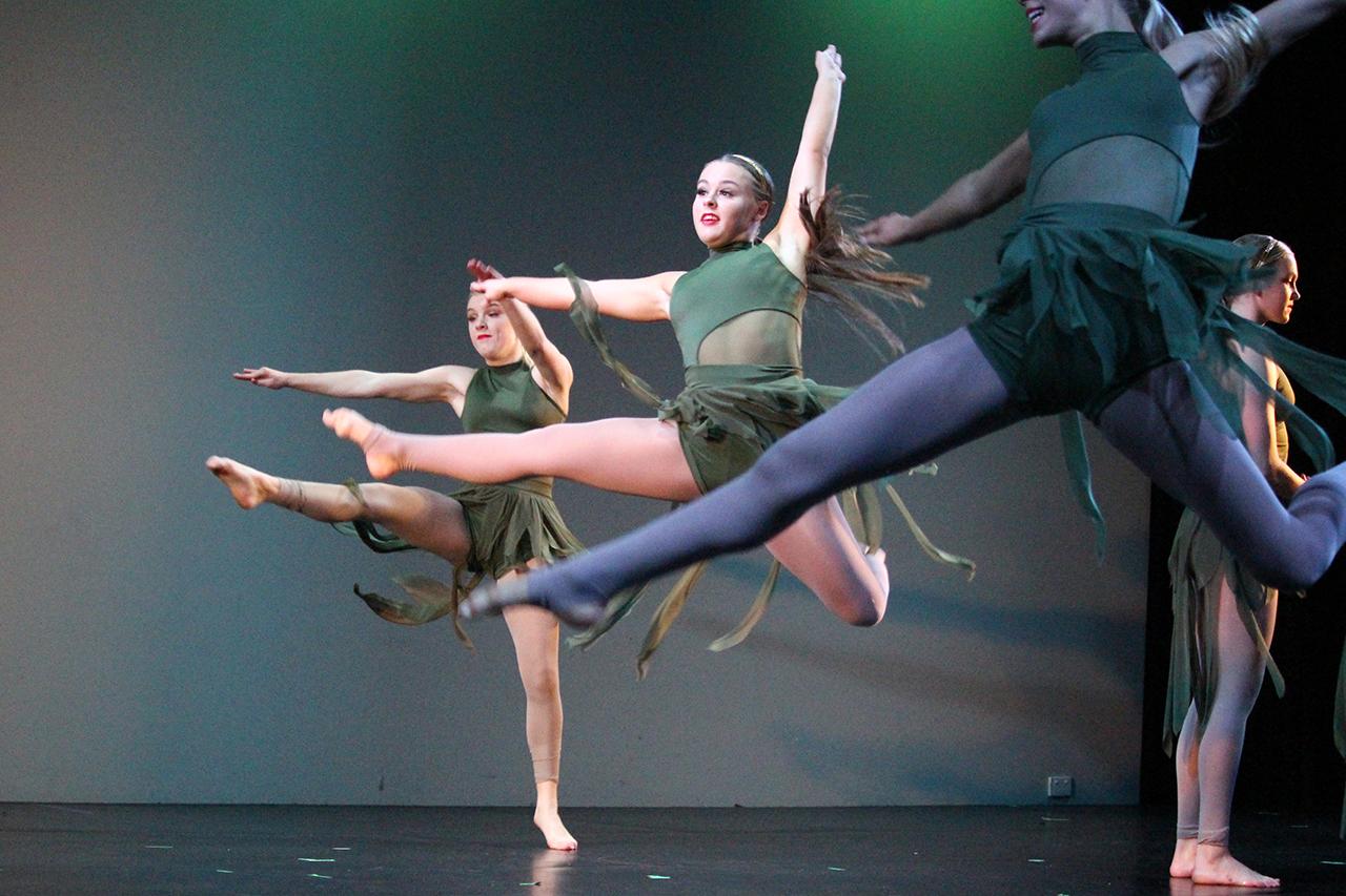 Dance 1 IMG_3442