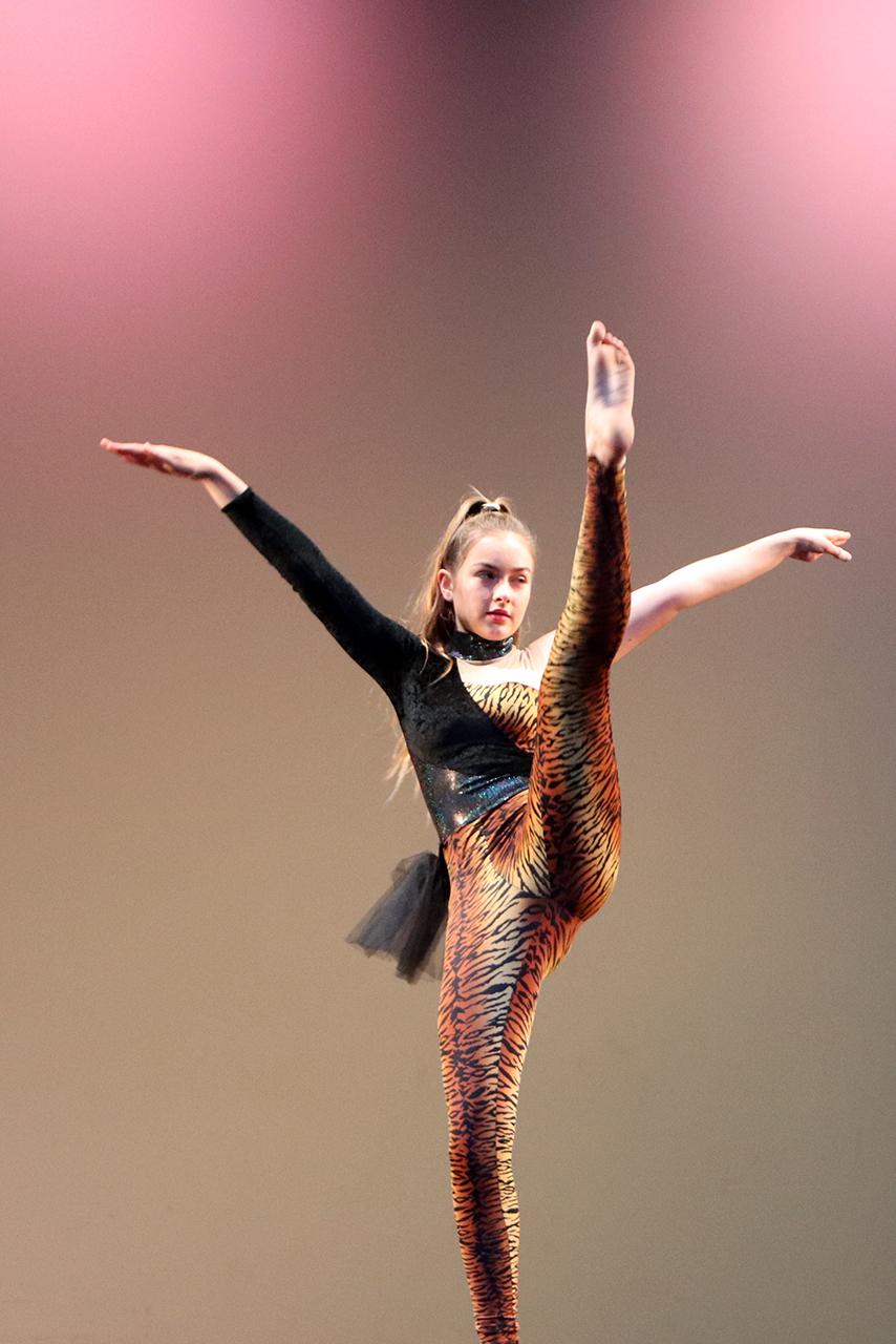 Dance 2 IMG_1991