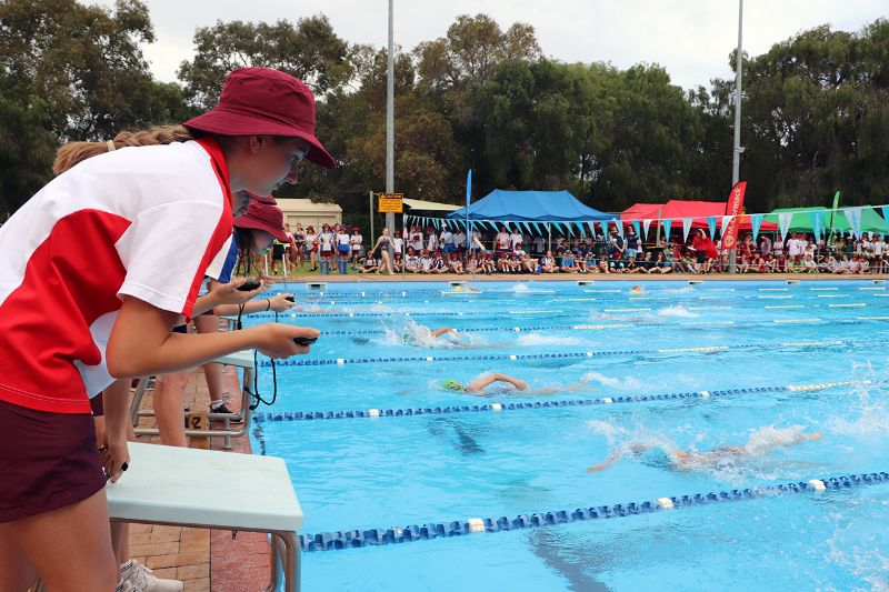 Years 9-12 Inter-House Swimming Carnival (11)