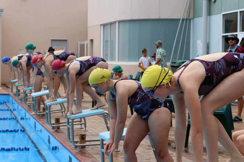 Years 9-12 Inter-House Swimming Carnival (25)