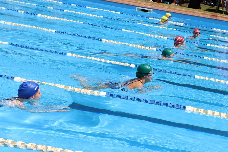 Years 9-12 Inter-House Swimming Carnival (35)