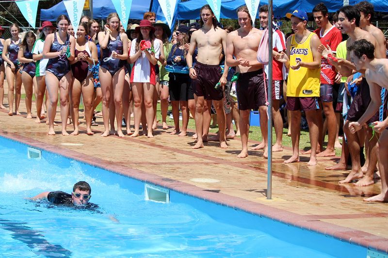 Years 9-12 Inter-House Swimming Carnival (37)