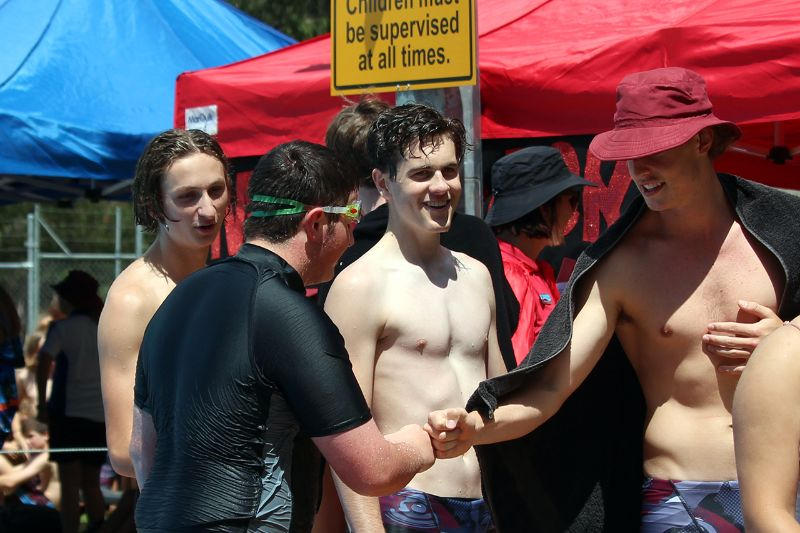 Years 9-12 Inter-House Swimming Carnival (38)