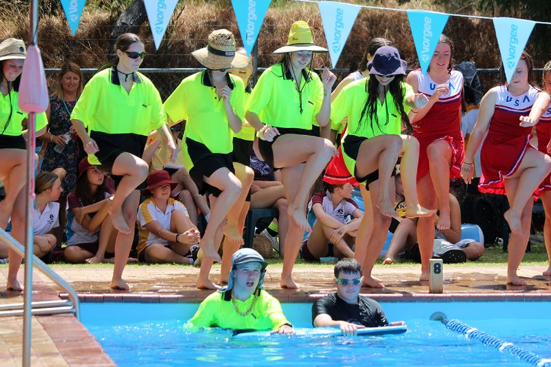 Years 9-12 Inter-House Swimming Carnival (54)