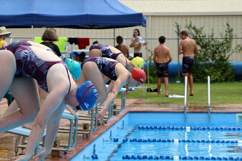 Years 9-12 Inter-House Swimming Carnival (64)