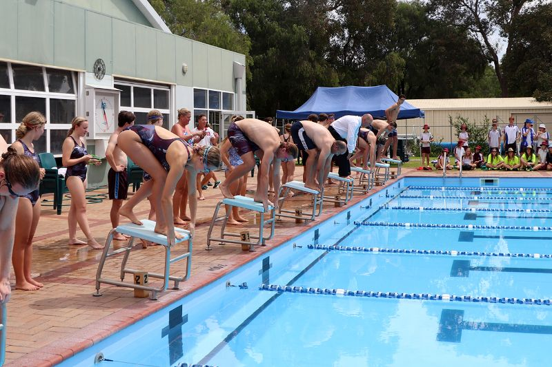 Years 9-12 Inter-House Swimming Carnival (67)