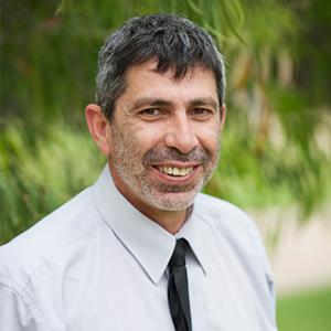 Mr Tony Papasergio