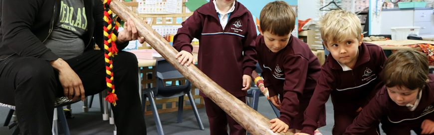 Kindy classes explore sounds of the digeridoo