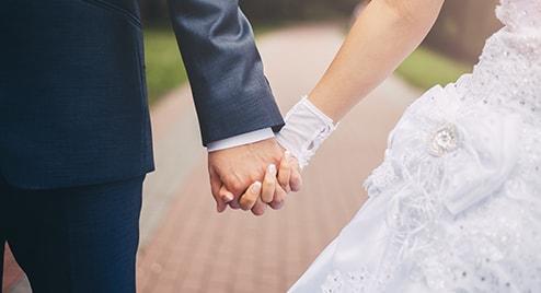 img-atrisk-Newlyweds