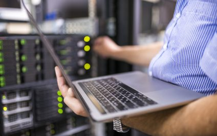 What to Look for When Outsourcing IT Help Desk Services