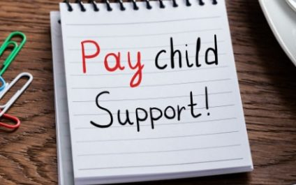 Dad bad: Papas pretending to be poor to avoid paying child support