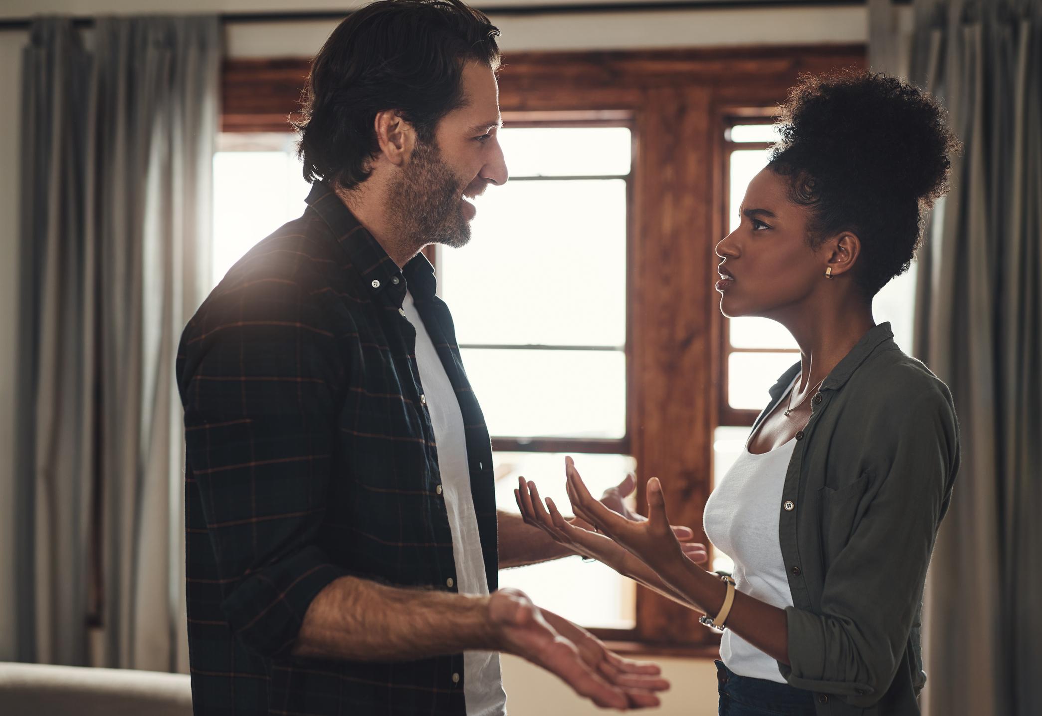 Couple-deals-with-polarizing-argument