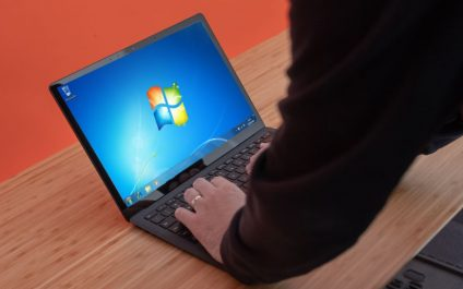 Windows 7 use finally declines as the OS nears its end