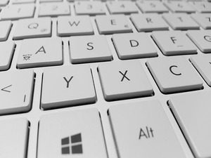 Keep Your Keyboard Clean For a Healthier Workplace