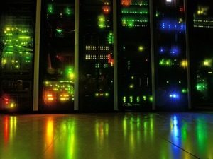 What's the Difference Between Virtualization and Cloud Computing?