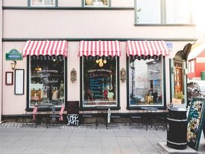 Does Your Business Need a Brick and Mortar Storefront?