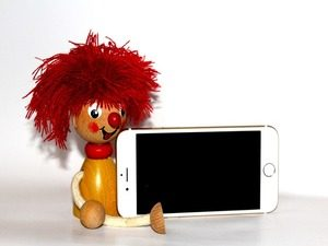 Time Out: Which is the Better Smartphone For Your Kids?