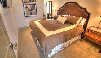 bedrooms_titile-party-house_bedroom-a_r1