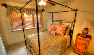 bedrooms_titile-dinosuite_bedroom