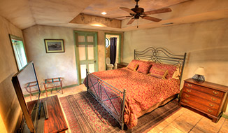 bedrooms_titile-sunsuite_bedroom-b