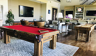 tv-view_titile-party-house_gameroom-center