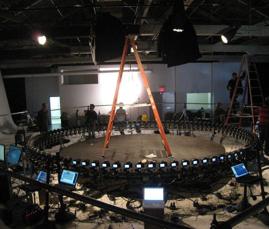 Hundreds of cameras can be controlled together.