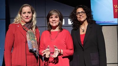 Best 50 Women In Business Award - Cathy Coloff receives award
