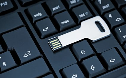 "Can USB Drives Pose a Serious Security Threat? New Analysis Says ""Yes"""