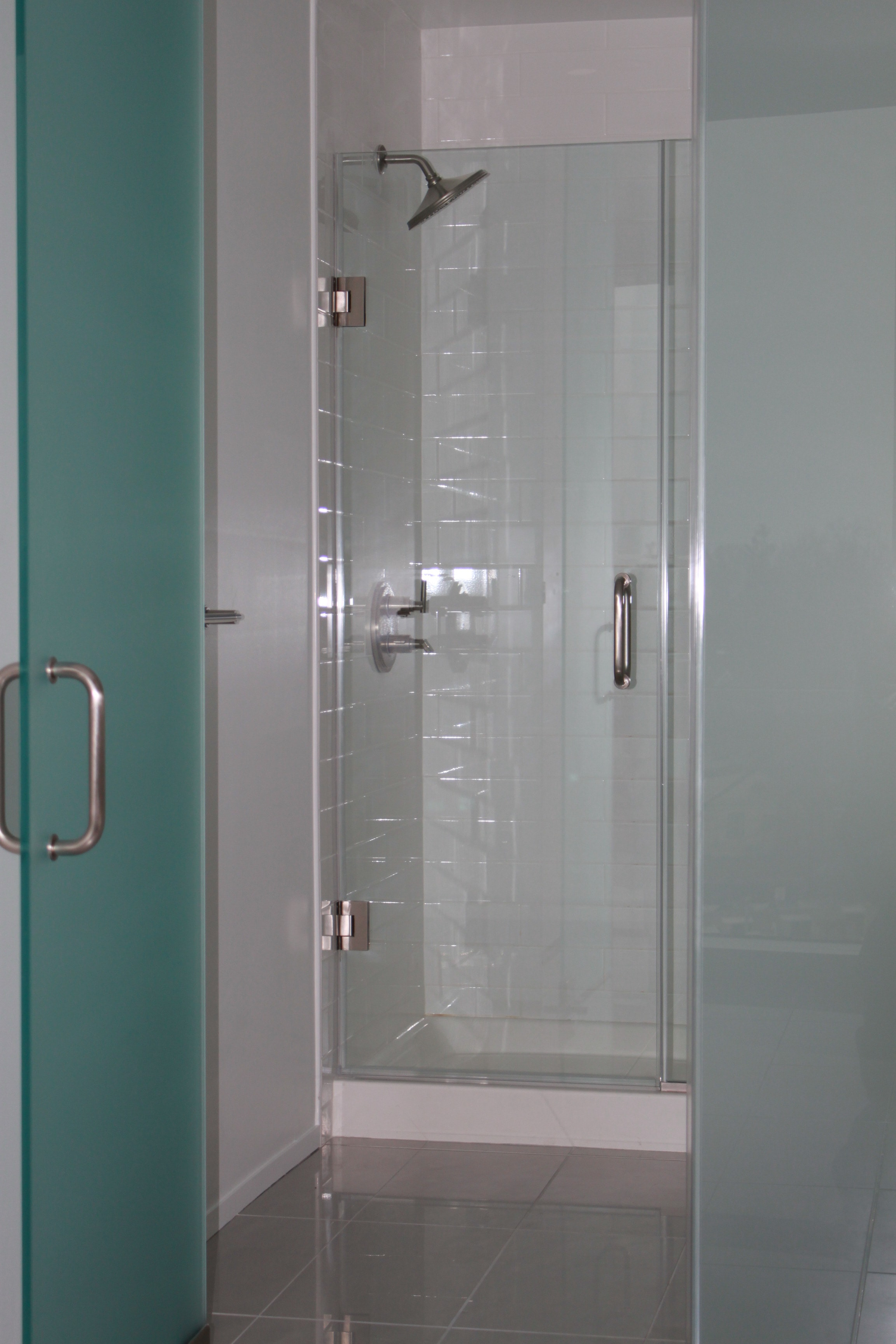 Bathroom Enclosure & Frameless Shower Door Inside-min