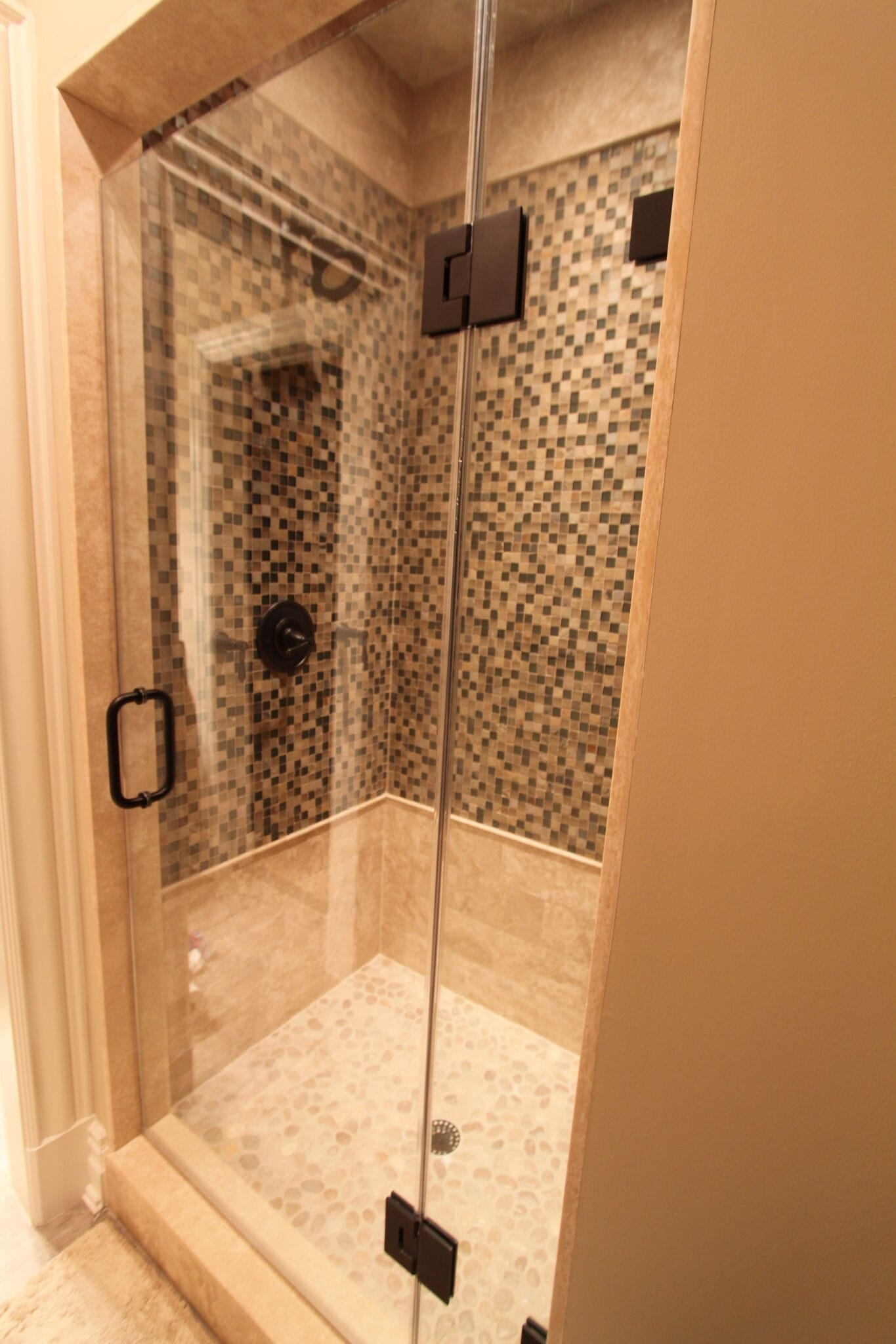 Frameless Shower 2-min
