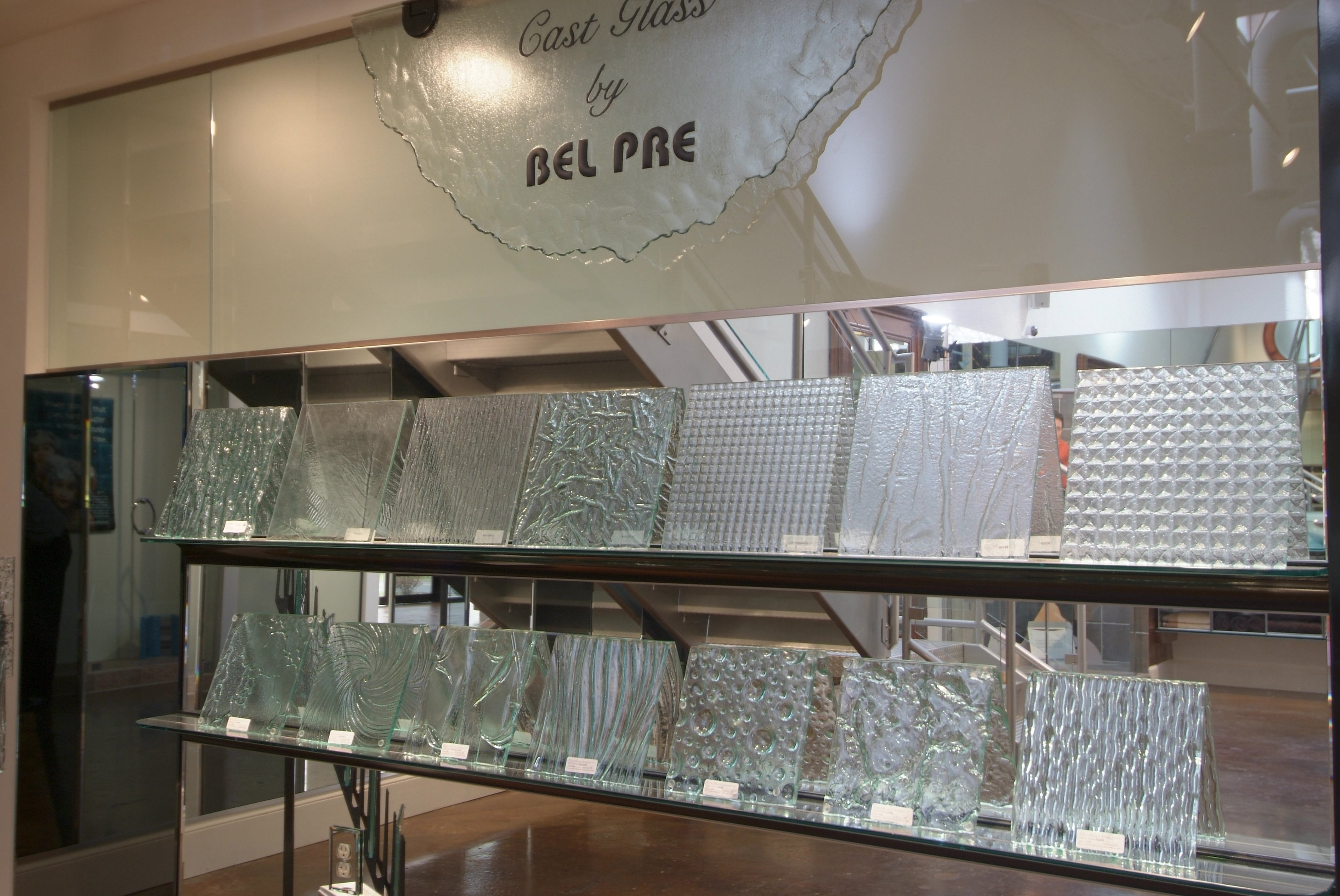 Showroom 23 - Cast Glass Display-min