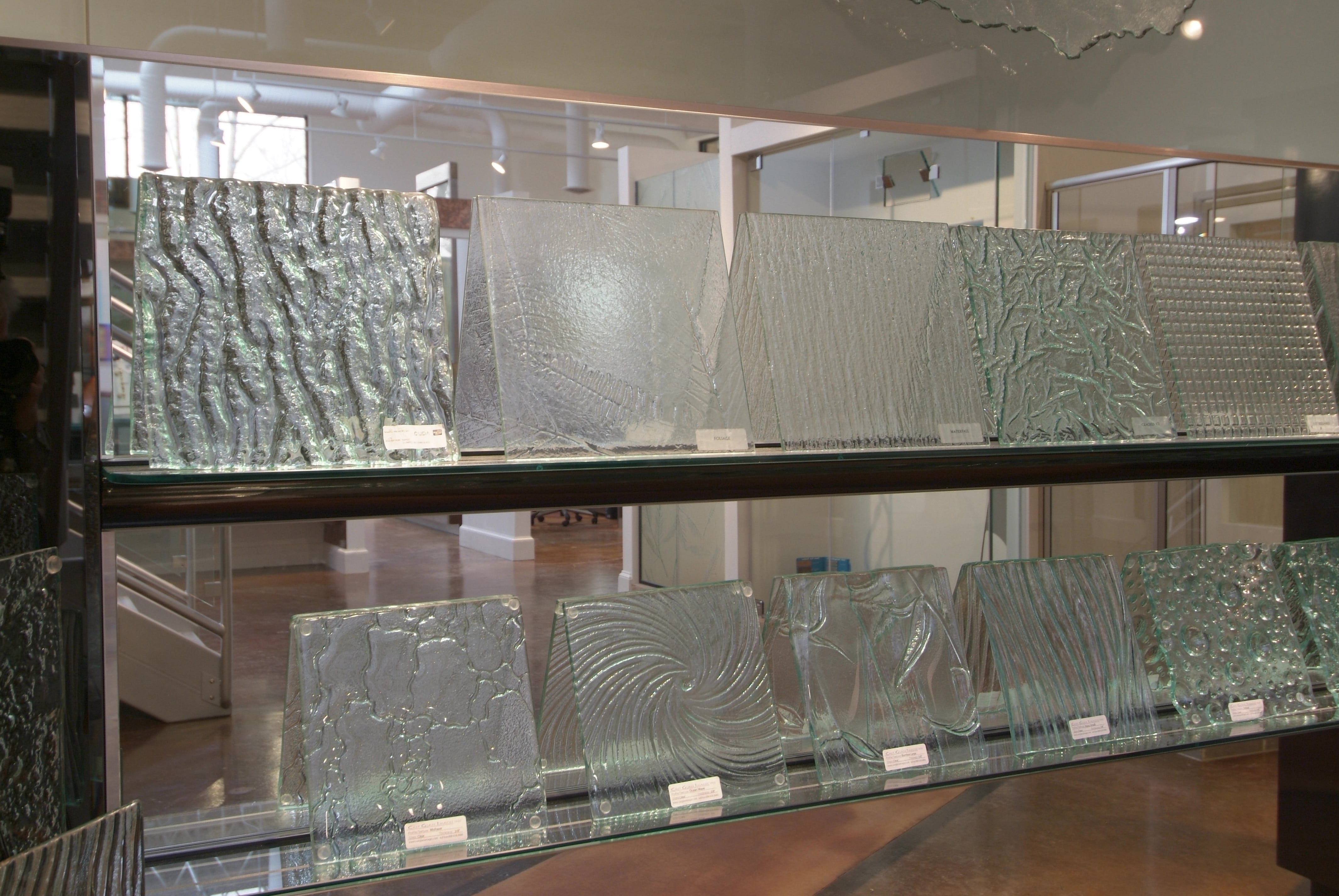 Showroom 24 - Cast Glass Display-min