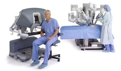 """""""da-vinci-system-si-seated-surgeon-nurse"""