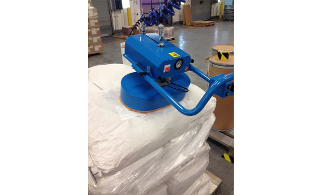 Vacuum End Effector for Warehouse