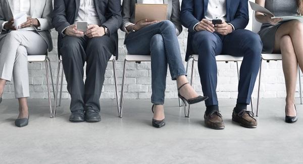 6-questions-qui-tuent-pour-embaucher-le-travailleur-à-distance-idéal