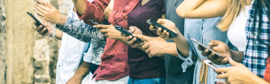 Apple dénonce Facebook pour la distribution d'une application qui capture les données de ses utilisateurs