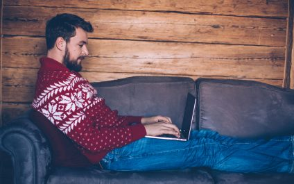 Advantages and disadvantages of remote work during a viral outbreak