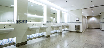 img-How-to-clean-an-auto-shop-bathroom