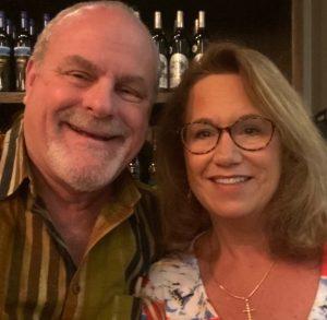 安德里亚和她的丈夫埃德.