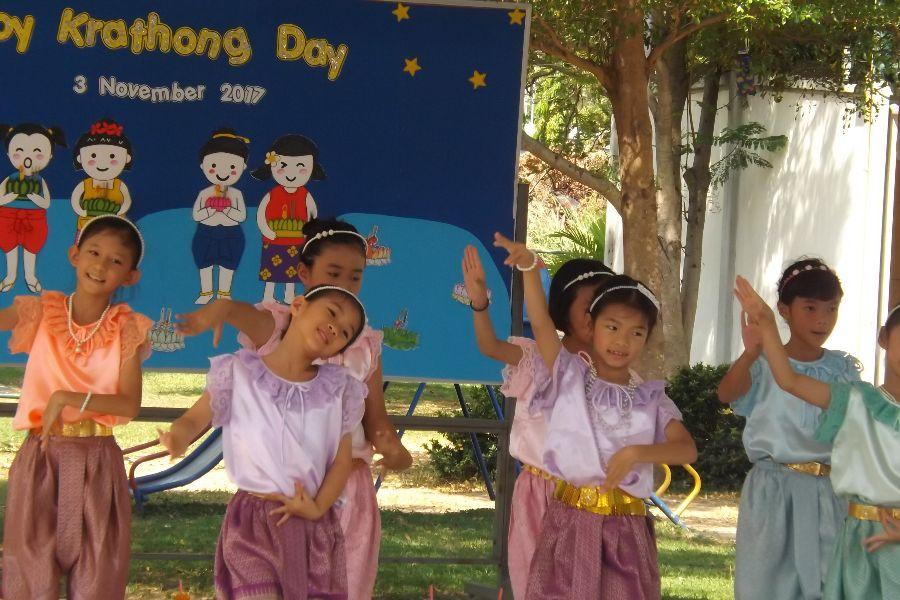 Loy Krathong29